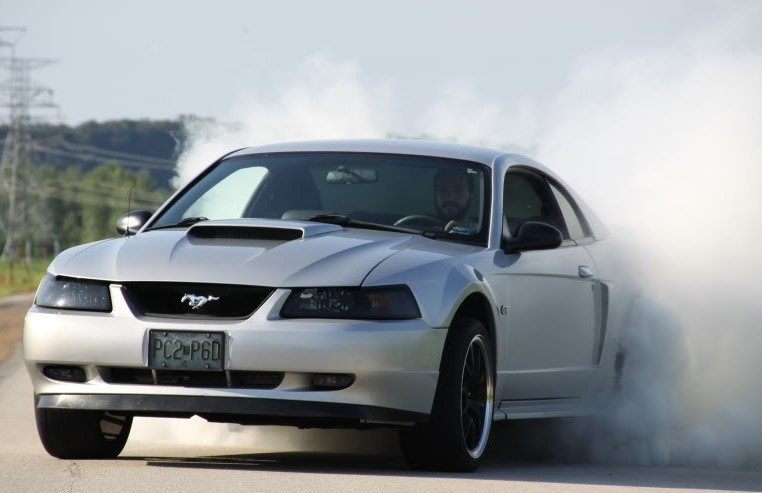 1999-to-2004-ford-mustang-gt